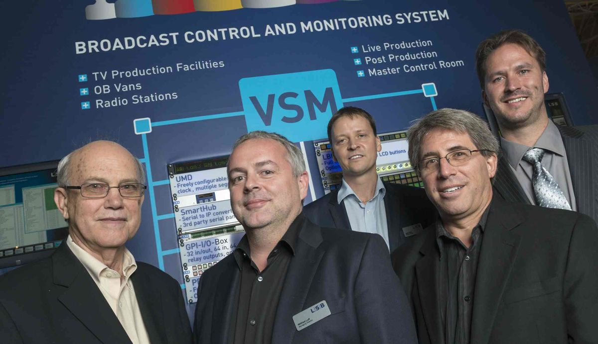 George Hoover, CTO NEP; Wilfried Luff, Managing Director L-S-B Broadcast Technologies; Jamie Dunn, Sales Director LSB International; Jeff Joslin, VP nepLABS; Anthony Teunen, Project Engineer L-S-B Broadcast Technologies (von links)